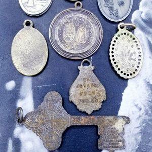 Vintage Jewelry - Vintage Religious medal bundle #3